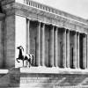 Előkerültek a Hitler kancelláriáját díszítő bronzlovak
