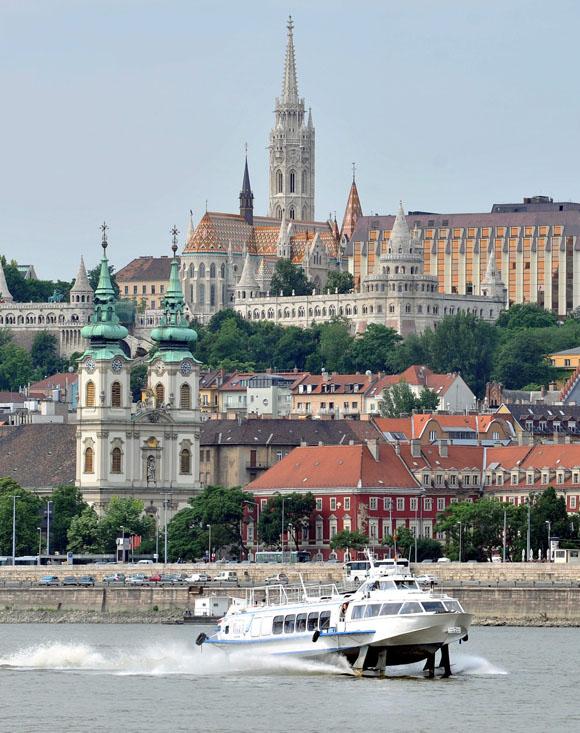 Turizmus - Szárnyashajóval a Dunán