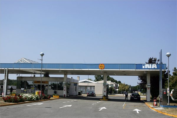 INA_MOL_benzinkut
