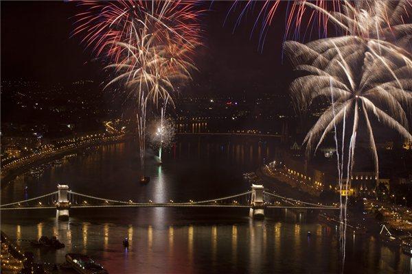 augusztus20_2011_tuzijatek_Budapest1