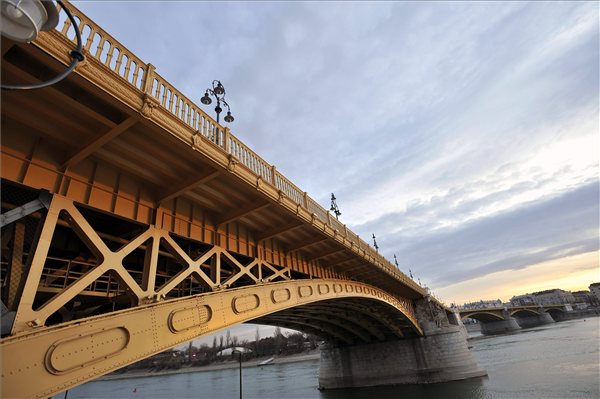 Margit_hid_Budapest2011