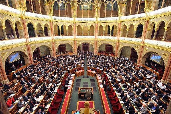 Parlament_Orszaggyules_2011_01