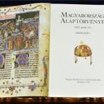 Alaptorveny_uj_alkotmany_diszkiadas00