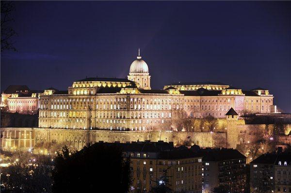 Szechenyi_konyvtar_Budai_var_Budapest_kiralyi_palota