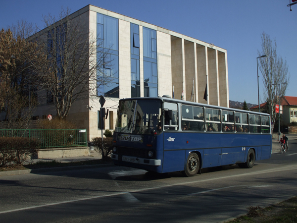 Budaors_Varoshaza_006_BKV_busz