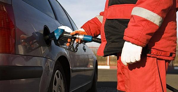 benzin_tankolas_benzinkut