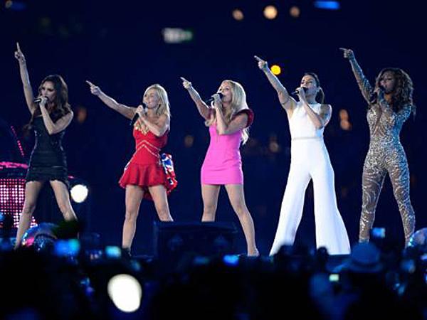 zarounnepseg_4_Spice_Girls_olimpia_london2012