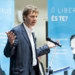 A párt hivatalos neve Magyar Liberális Párt, de a mindennapi szóhasználatban Liberálisok párt néven szeretnének megjelenni.