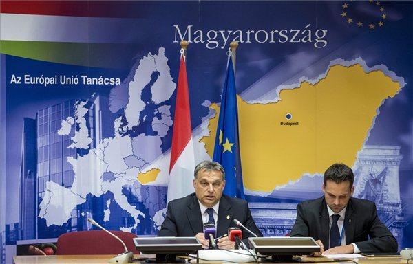 eu_csucs2013_orban_v