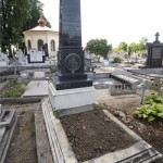 Skultéty László huszár zászlótartó síremléke az újaradi temetőben
