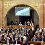 alkotmanymodositas_otodik_parlament_2013szept16