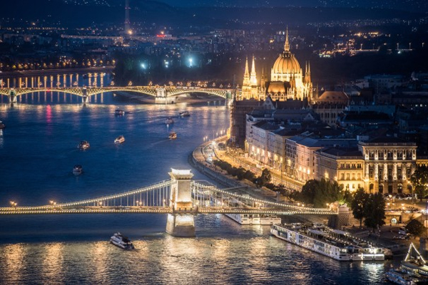 budapest_ejszakai_latkep_turisztikai