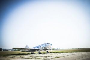 A főszereplő Li-2 utasszálító repülőgép