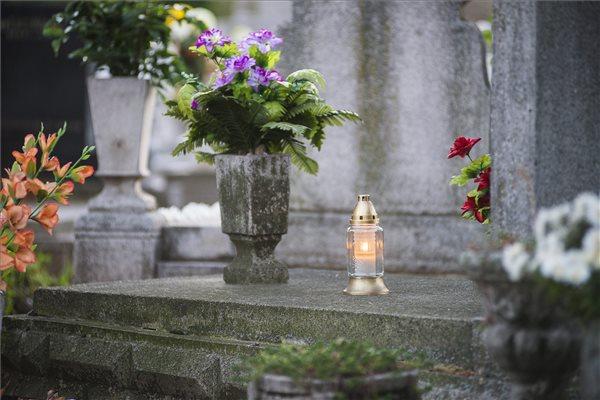 halottak_napja_0_mindenszentek_2013