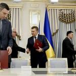 janukovics_megallpodas2_ukran_valsag