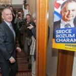 Andrej Kiska független jelölt érkezik a szlovák elnökválasztás második fordulója után a pozsonyi Devin hotelbe 2014. március 29-én este. Andrej Kiska nyerte meg a negyedik közvetlen szlovák elnökválasztást a leadott voksok csaknem 60 százalékával a másik jelölt, Robert Fico hivatalban lévő szlovák kormányfő ellen. MTI Fotó: Krizsán Csaba