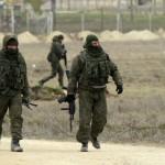 orosz_katonak_hataratkeloket_foglalnak_el_krim_2014marc9