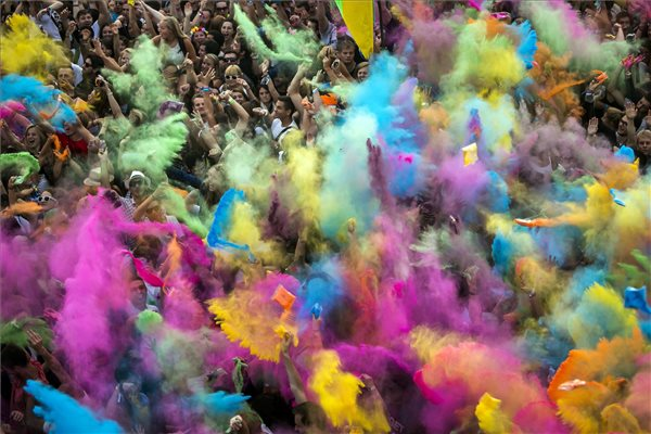 sziget_2014_colorparty_0