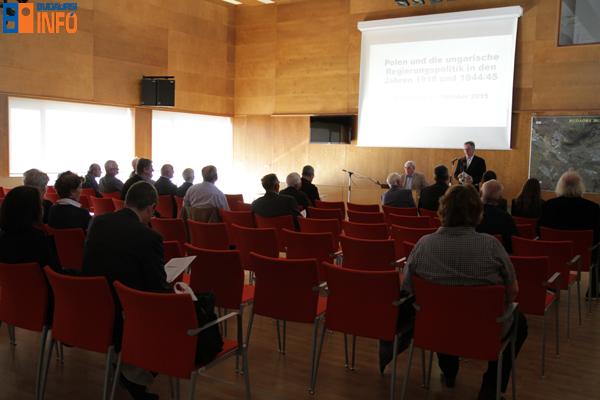 varoshaza_konferencia