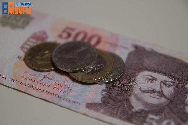 penz_8_forint_gazdasag_fizetes