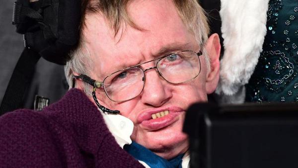 Stephen_Hawking_2015