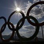 Rio de Janeiro, 2016. augusztus 1. Az olimpiai öt karika a Rio de Janeiró-i Olimpiai Parkban 2016. augusztus 1-jén, négy nappal a riói nyári olimpia kezdete előtt. (MTI/EPA/Larry W. Smith)