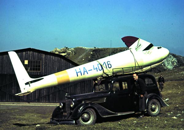 hangar_0