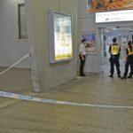Rendőrségi kordon a fővárosi Stadion autóbusz-pályaudvaron, ahol a BRFK járőre 2017. augusztus 20-án délelőtt egy földön fekvő emberre talált, aki nem mutatott életjeleket. A férfi életét a mentők sem tudták megmenteni