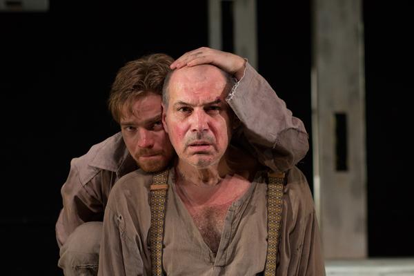 Böröndi Bence és Ilyés Róbert (fotó: Borovi Dániel / Budaörsi Latinovits Színház)