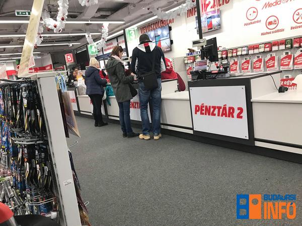 vasarlas_penztar_kereskedelem_media_markt_2018jan