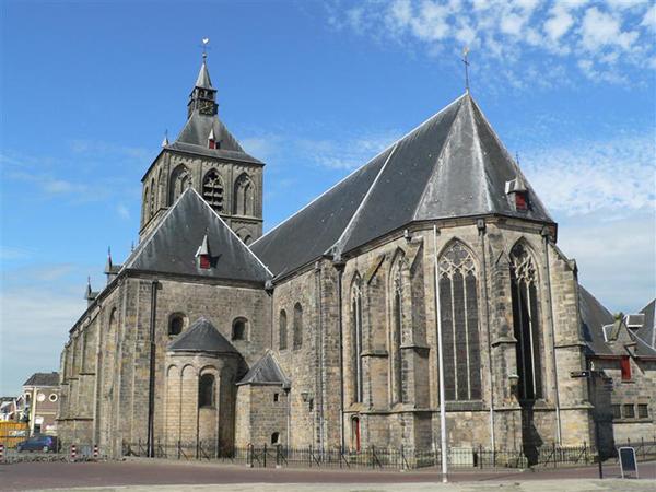 oldenzaal_Szent_Plechelmus_bazilika2
