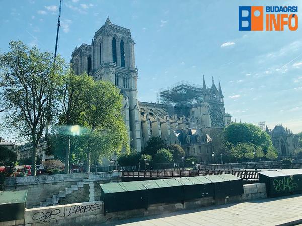 notre_dame_parizs_leegett_2019apr19_budaorsi_info_copyright_600px