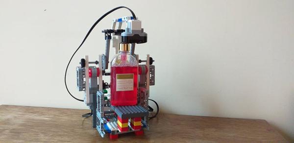 kezmosorobot2