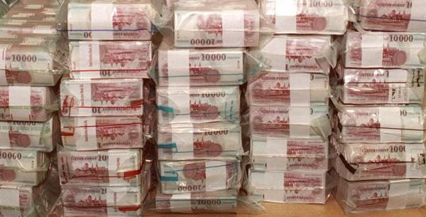 forint_kotegek_bankjegyek