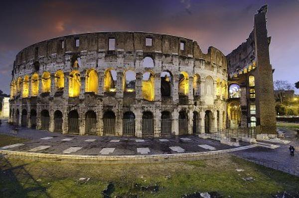 Colosseum_00_olaszo_roma_kolosszeum