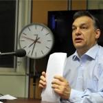 Orbán Viktor miniszterelnök élő adásban ad interjút a Kossuth Rádió 180 perc című műsorában, a Magyar Rádió stúdiójában 2013. március 1-jén. A kormányfő bejelentette: Matolcsy György nemzetgazdasági minisztert jelöli a Magyar Nemzeti Bank élére. MTI Fotó: Kovács Attila