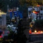 Mindenszentek_halottak_napja_gyertya_temeto