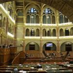 magyar_parlament_ules_2013okt15
