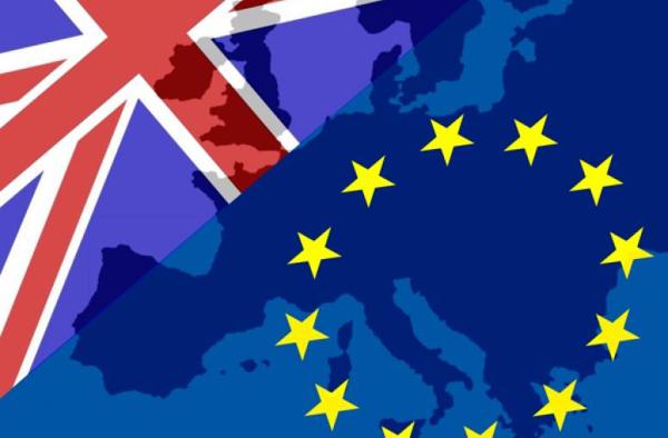 Brexit_1_brit_eu_zaszlok