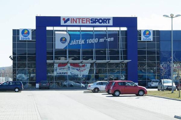 be4498c88a42 Megújul az Intersport Budaörsön. Budaörsi INFÓ ...