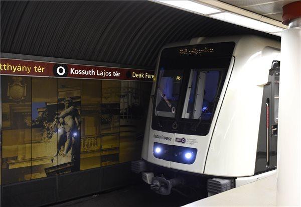 metro_bkv_bkk_kossuth_ter