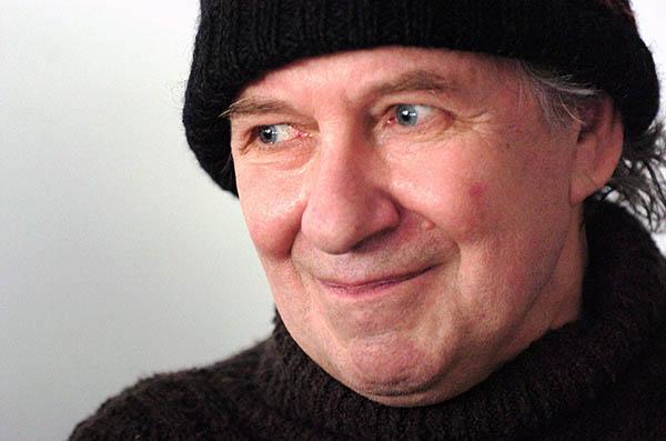 Budapest, 2007. április 18. Tandori Dezső költő, író, műfordító, kritikus, irodalomtörténész, rajzoló, miután 2007-ben a német-magyar irodalmi kapcsolatok terén kifejtett kiemelkedő munkássága elismeréséül átvette a Goethe-érmet Budapesten. MTI Fotó: Honéczy Barnabás