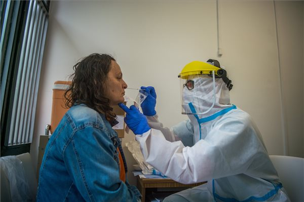 koronavirus_mintavetel_teszteles_2020majus5