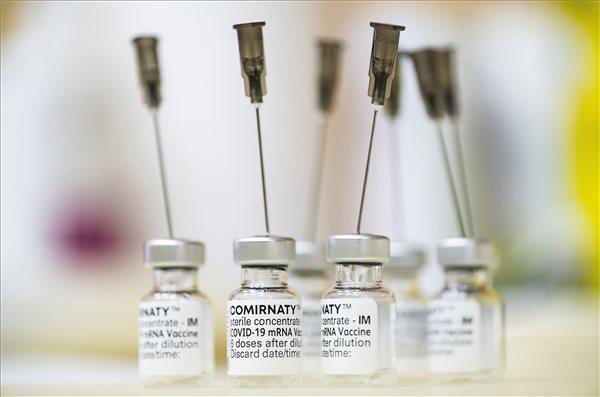 koronavirus_oltas_pfizer_vakcina_2021apr21
